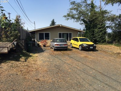 Coos Bay Multi Family Home For Sale: 421 7th Ave