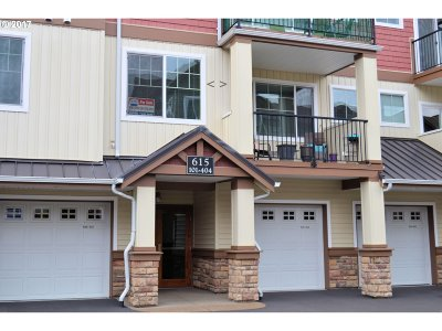 Portland Condo/Townhouse For Sale: 615 NW Lost Springs Ter
