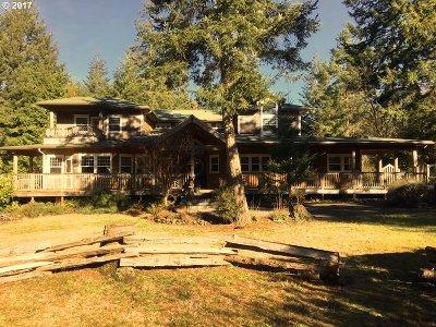 Bandon Single Family Home For Sale: 89464 Sunny Loop Ln