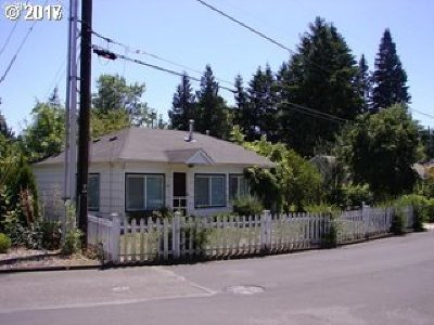 Portland Single Family Home For Sale: 730 NW Dale Ave
