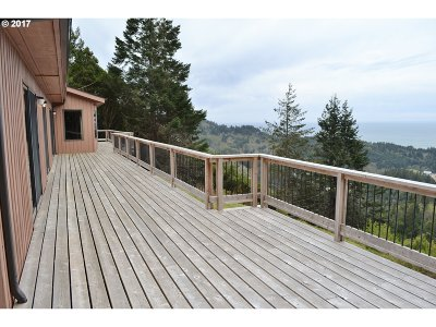 Gold Beach Single Family Home For Sale: 28492 Emerald Dr