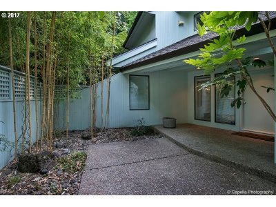Portland Single Family Home For Sale: 4810 SW Dosch Park Ln