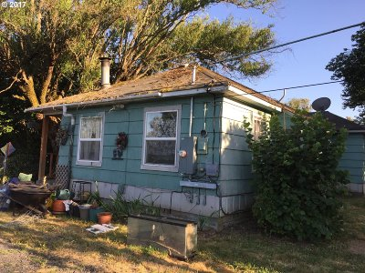 Single Family Home Bumpable Buyer: 56566 Old Portland Rd