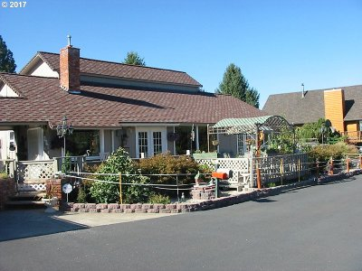 la grande Single Family Home For Sale: 807 Miller Dr
