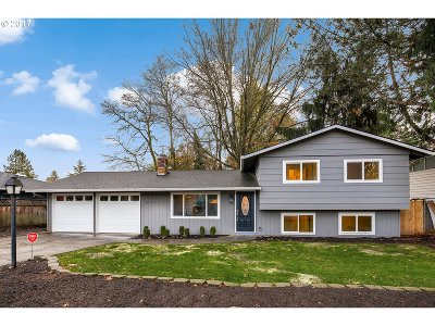 Tigard Single Family Home For Sale: 12030 SW Summer Crest Dr