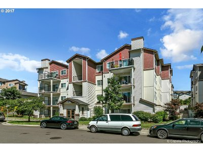 Portland Condo/Townhouse For Sale: 590 NW Lost Springs Ter #102