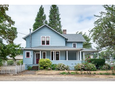 Coburg Single Family Home For Sale: 32702 E Pearl St