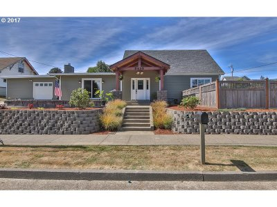 North Bend Single Family Home For Sale: 2410 Union