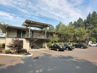 Lake Oswego Condo/Townhouse For Sale: 668 McVey Ave #74