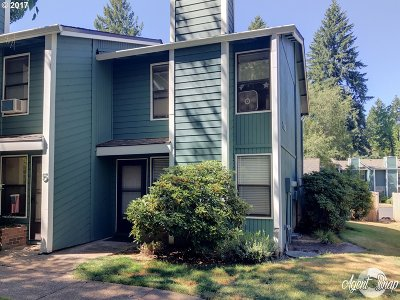 Tigard Condo/Townhouse For Sale: 7935 SW Fanno Creek Dr #6