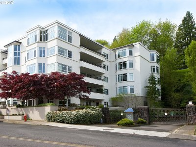 Portland Condo/Townhouse For Sale: 2445 NW Westover Rd #501