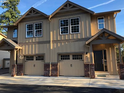 Milwaukie, Gladstone Multi Family Home For Sale: 19408 SE River Rd