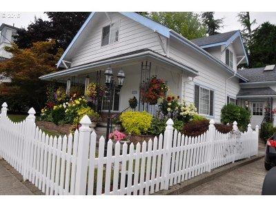 Clatskanie Single Family Home For Sale: 240 Nehalem St