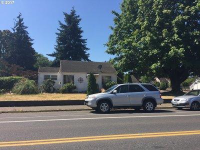 Multnomah County, Washington County, Clackamas County Single Family Home For Sale: 7016 SE Duke St