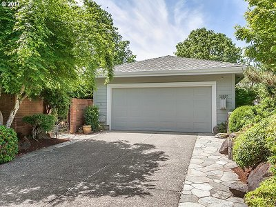 Wilsonville Single Family Home For Sale: 31895 SW Village Crest Ln