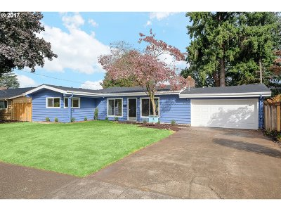 Portland Single Family Home For Sale: 12365 SW Park Way