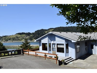 Gold Beach OR Single Family Home For Sale: $419,000