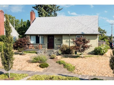Single Family Home For Sale: 9125 SE Mill St