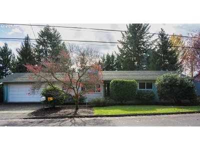 Tigard Single Family Home For Sale: 7470 SW Cherry Dr