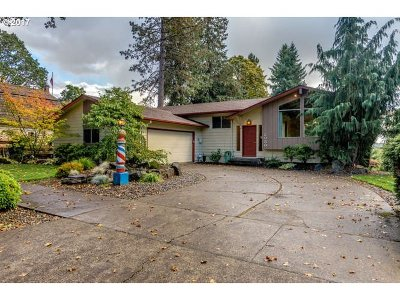 Forest Grove Single Family Home For Sale: 2030 16th Ave