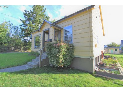 Coos Bay Single Family Home For Sale: 164 S 11th