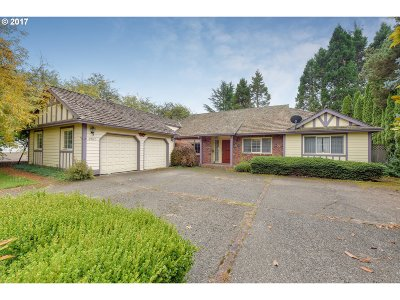 Lake Oswego Single Family Home For Sale: 3962 Bass Ln