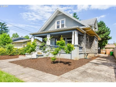 Portland Single Family Home For Sale: 4916 SE 76th Ave