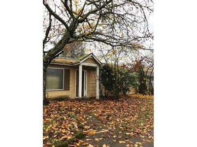 Portland Single Family Home For Sale: 4205 SE 134th Ave