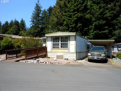 Coos Bay Single Family Home For Sale: 520 Shorepines Ave