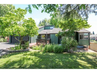 Hillsboro Single Family Home For Sale: 2092 E Main St