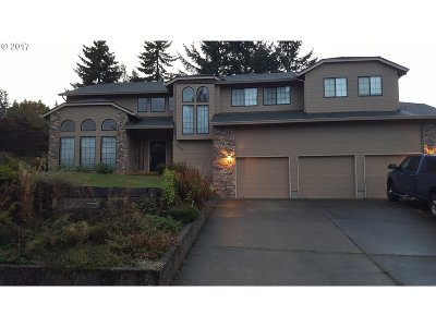 West Linn Single Family Home For Sale: 5202 Nelco Cir