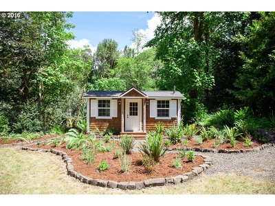 Coquille Single Family Home For Sale: 63175 Fairview Rd