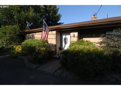 Newberg, Dundee Single Family Home For Sale: 1004 N College St