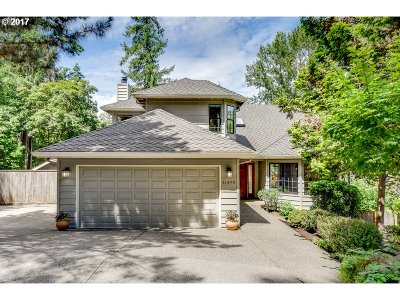Tigard Single Family Home For Sale: 11490 SW Venus Ct
