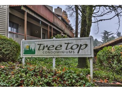West Linn Condo/Townhouse For Sale: 2826 Treetop Ln