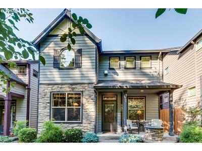 Portland Single Family Home For Sale: 925 SW Mozart Ter