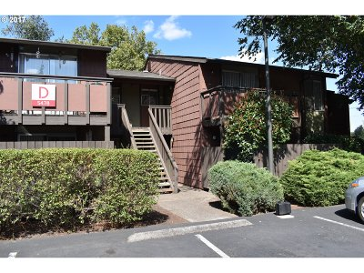 Beaverton Condo/Townhouse For Sale: 5478 SW Alger Ave #D-8