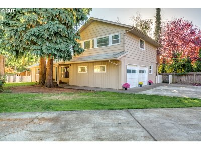 Aloha Single Family Home For Sale: 6145 SW Cross Creek Dr