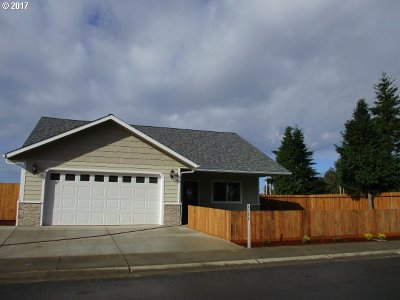 Coos Bay Single Family Home For Sale: 63450 Nathan Dr