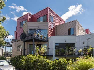 Portland Condo/Townhouse For Sale: 620 NW Naito Pkwy #B-4