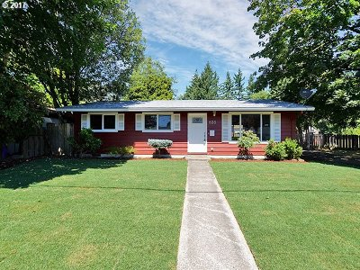 Gresham Single Family Home For Sale: 835 NE 4th St
