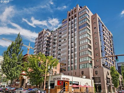 Condo/Townhouse For Sale: 333 NW 9th Ave #910