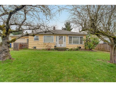 Portland Single Family Home For Sale: 1350 SE 117th Ave