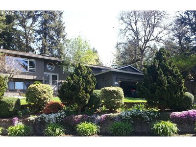 Happy Valley Single Family Home For Sale: 9855 SE Kela Ct