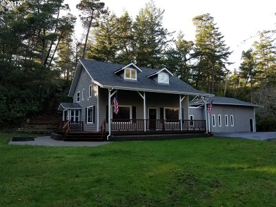 North Bend Single Family Home For Sale: 71666 Highway 101