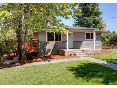Clackamas County Single Family Home For Sale: 13445 SE King Rd
