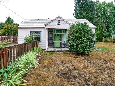 Milwaukie Single Family Home For Sale: 3549 SE Olsen St