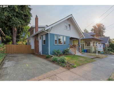 Single Family Home For Sale: 4904 SE Lincoln St