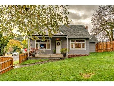 West Linn Single Family Home For Sale: 21310 Willamette Dr