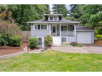 Portland Single Family Home For Sale: 9036 SW 26th Ave